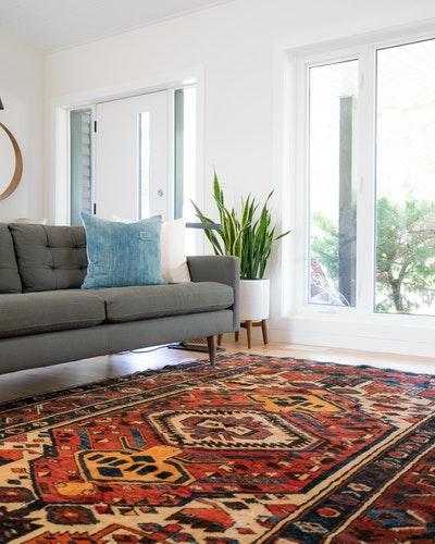een vloerkleed komt niet alleen in de woonkamer goed tot zn recht ook in een slaapkamer