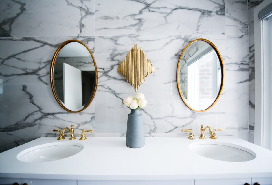 zware badkamer spiegel